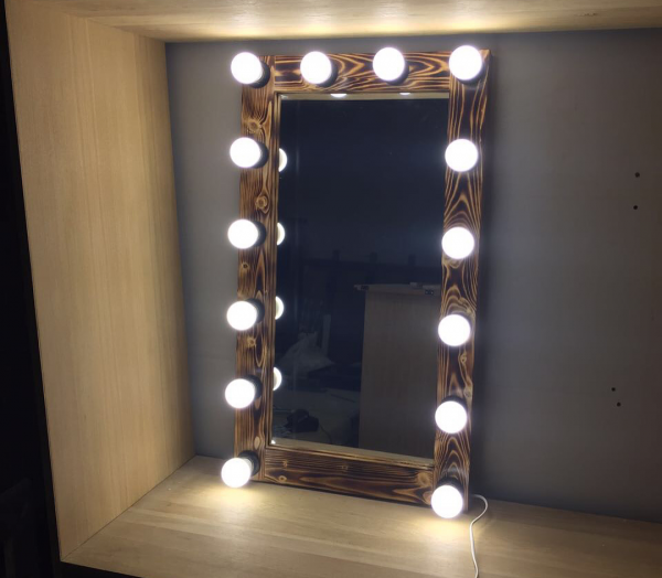 Ahşap Işıklı Makyaj Aynası - 50x75 - HGT165